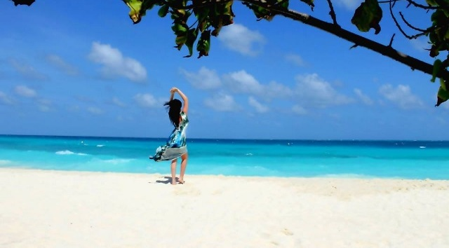 Ana enjoys a fantastic holiday in Maldives.