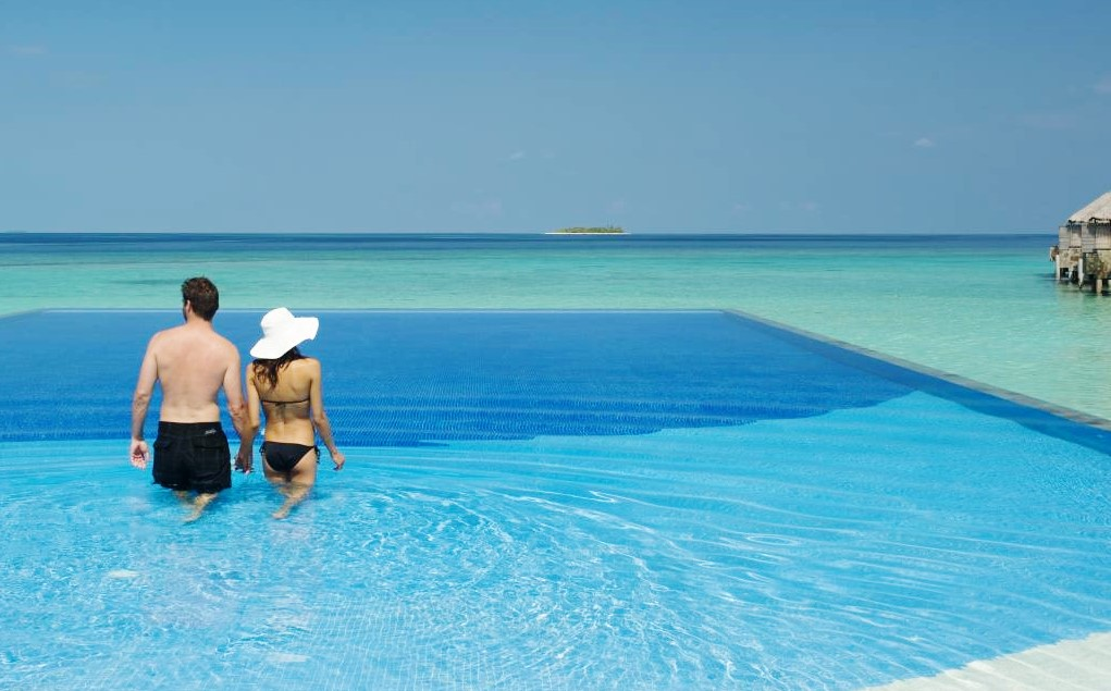Best 4 Infinity Pools in the Maldives