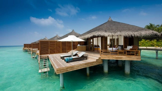 kuramathi-water-villa-with-jacuzzi