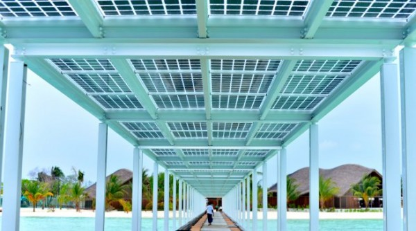 maldives island with solar energy