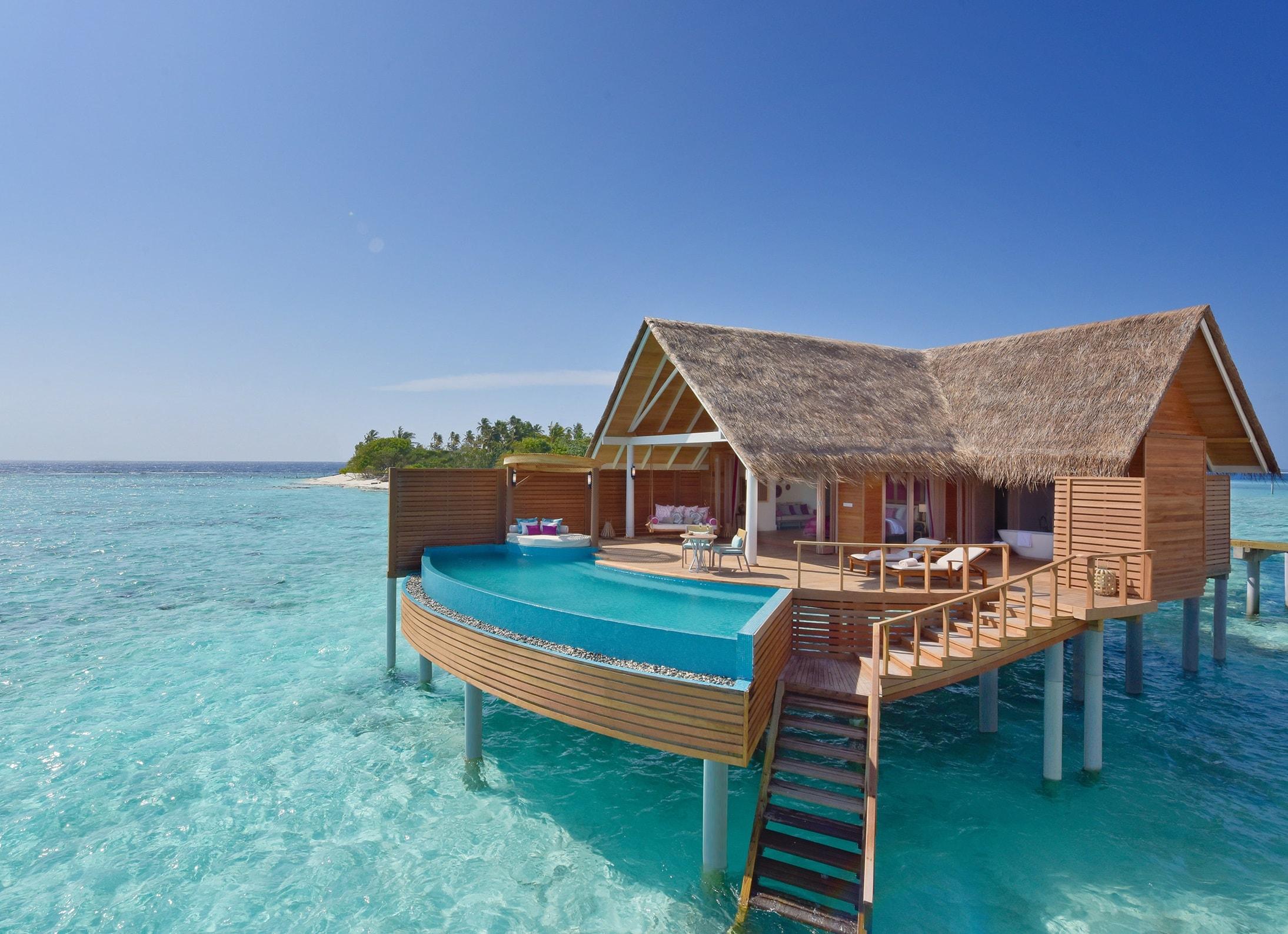 milaidhoo-water-pool-villa