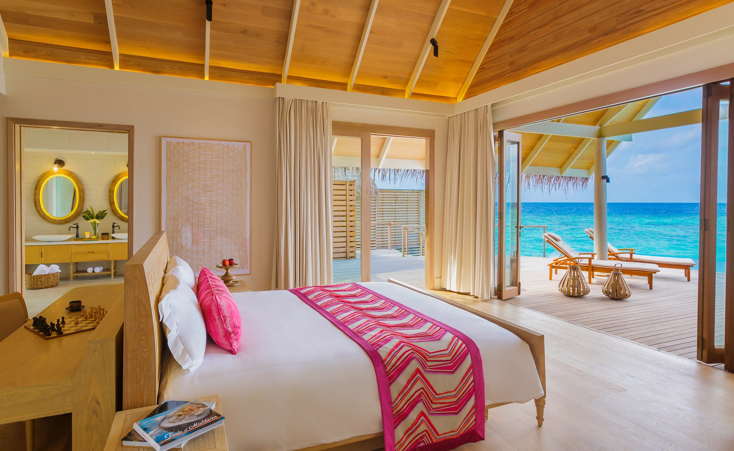 milaidhoo-water-pool-villa-bedroom