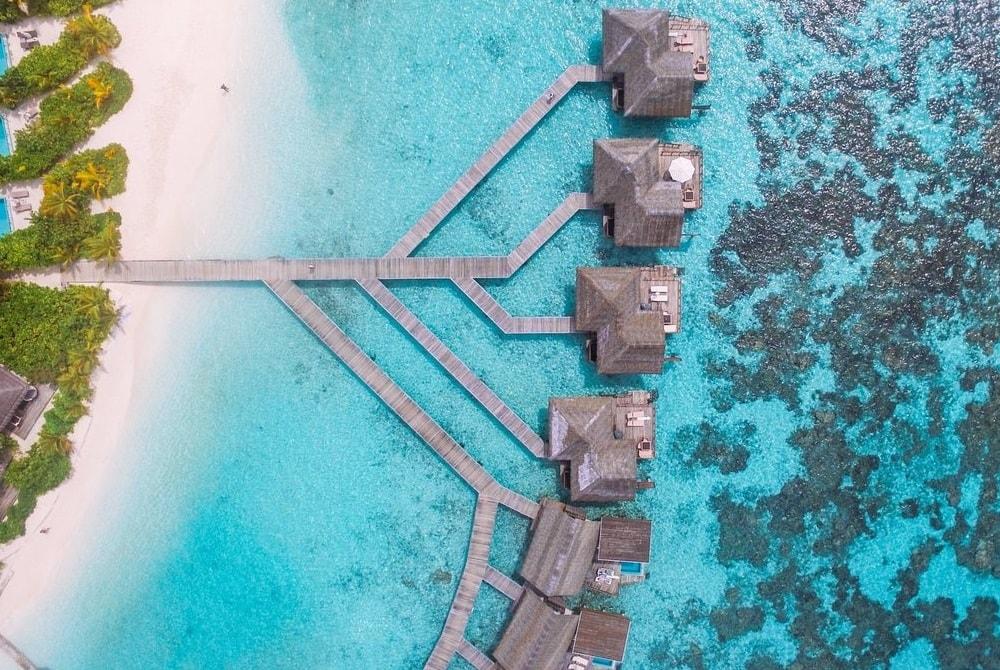 kandolhu water villa