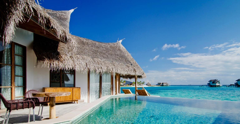 jumeirah vittaveli water villa