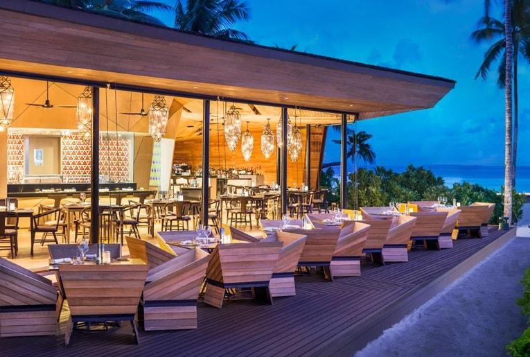 st regis maldives dining