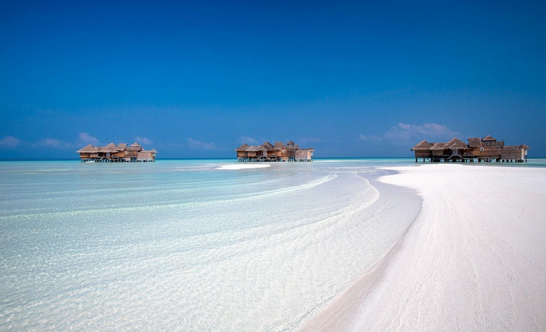gili lankanfushi beach