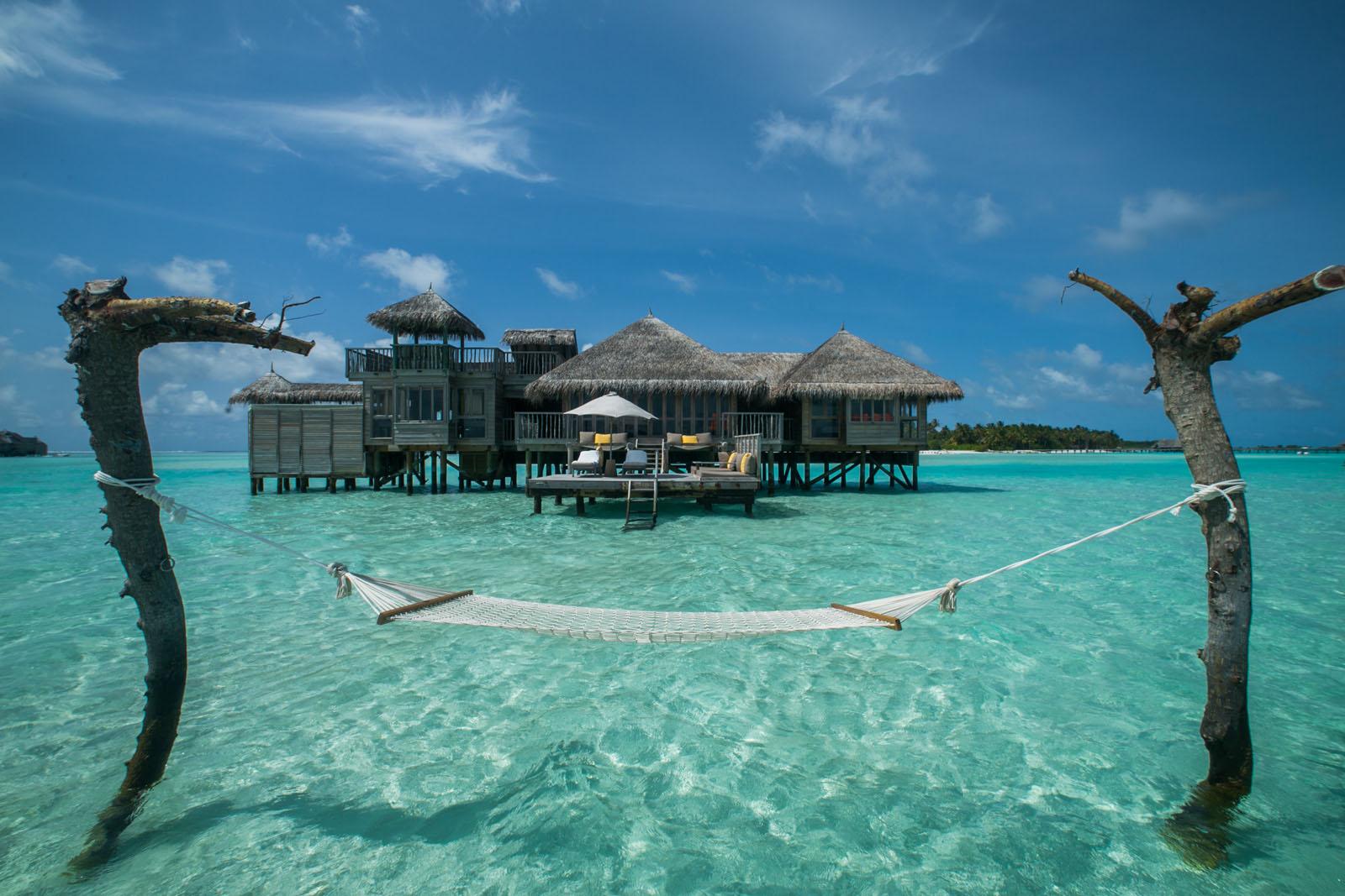 gilli lankanfushi overwater hammock