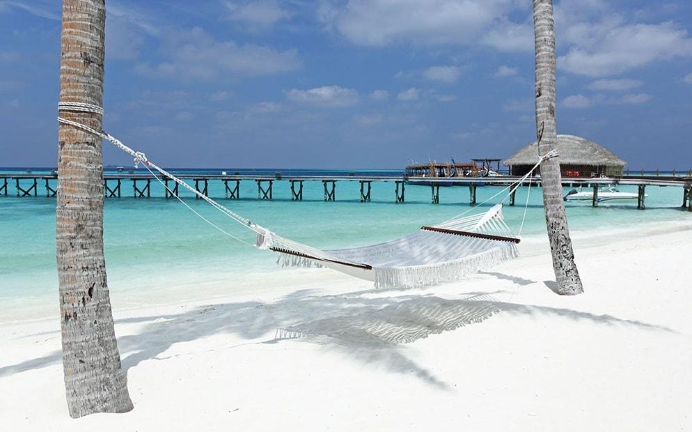 5 Maldives Resorts With Amazing Hammocks