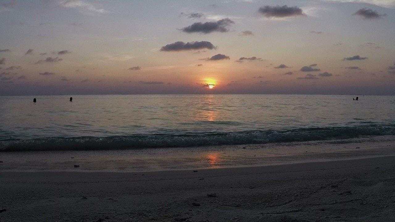 thoddoo sunset