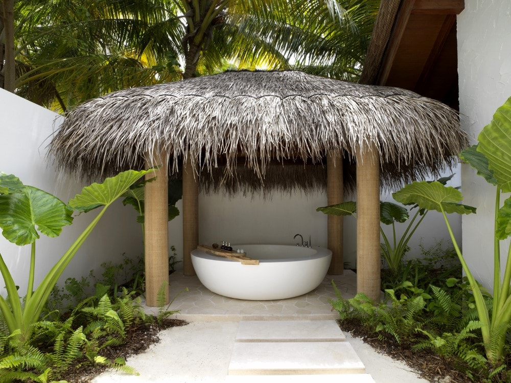 Beach Villa Deluxe Bathroom