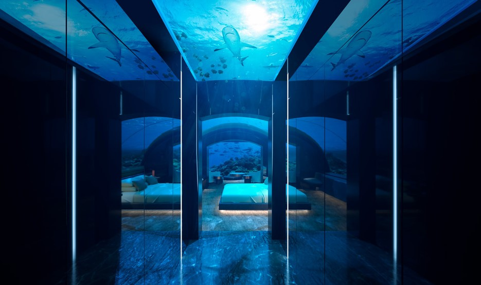 underwater room corridor