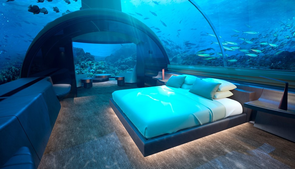 underwater villa bedoom