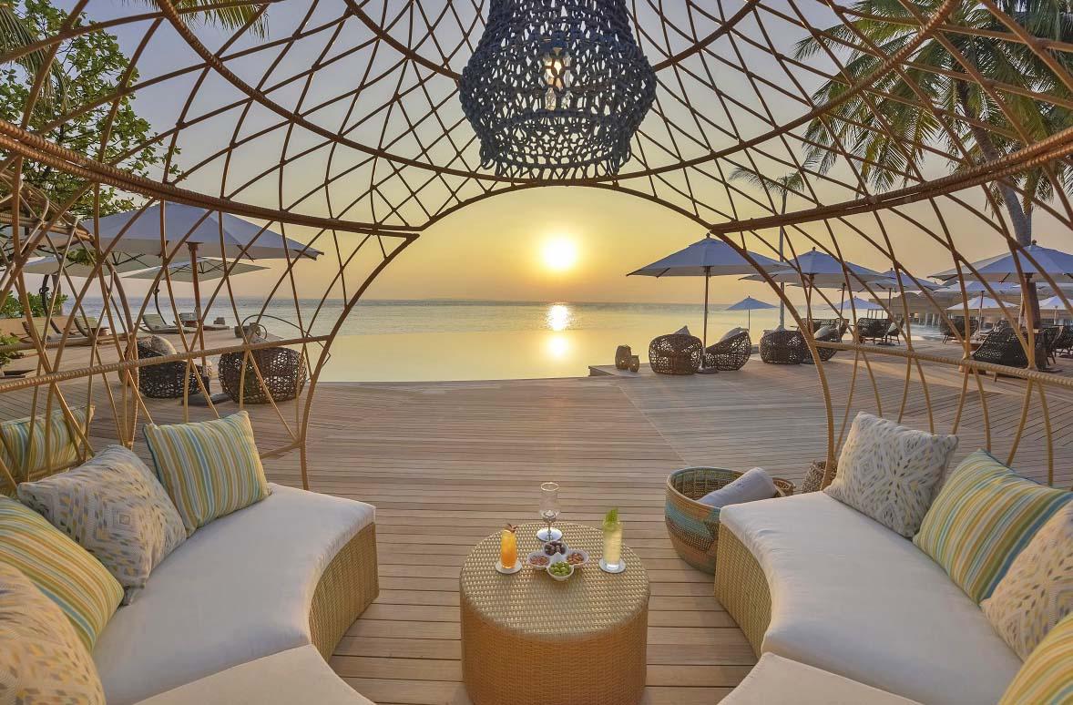 The Nautilus Maldives dining Naiboli pool bar