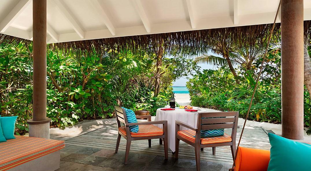 anantara beach villa exterior