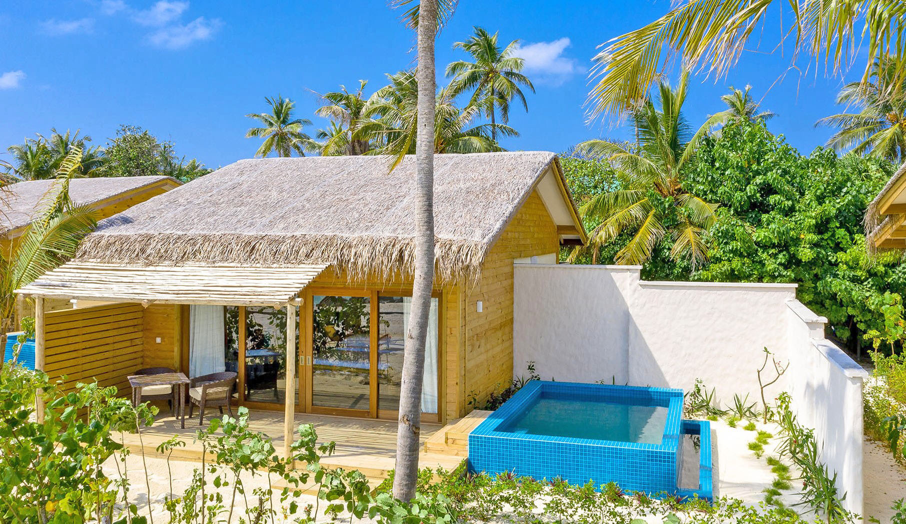 beach suite with pool you-and-me