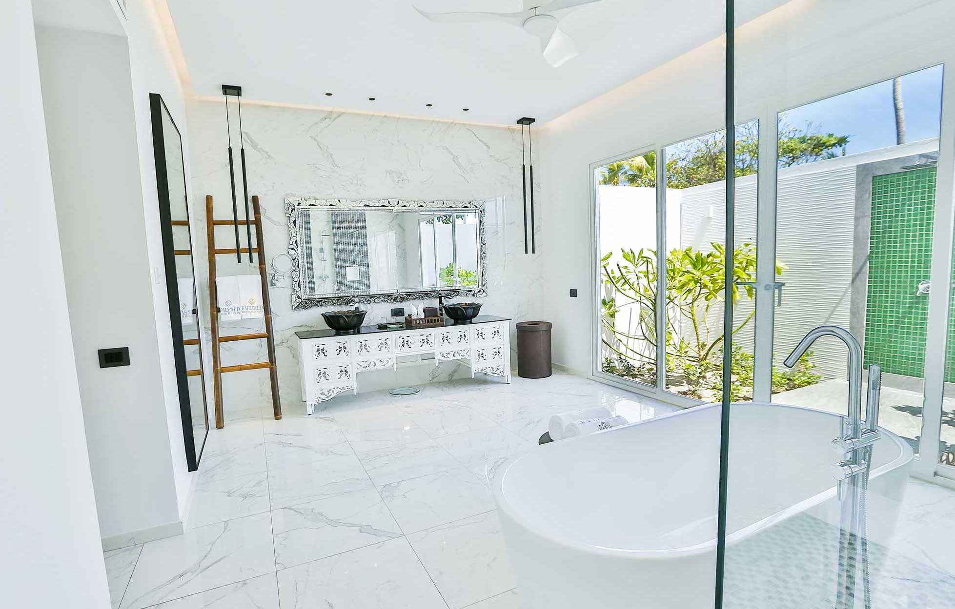 emerald-maldives-jacuzzi-beach-villa-3