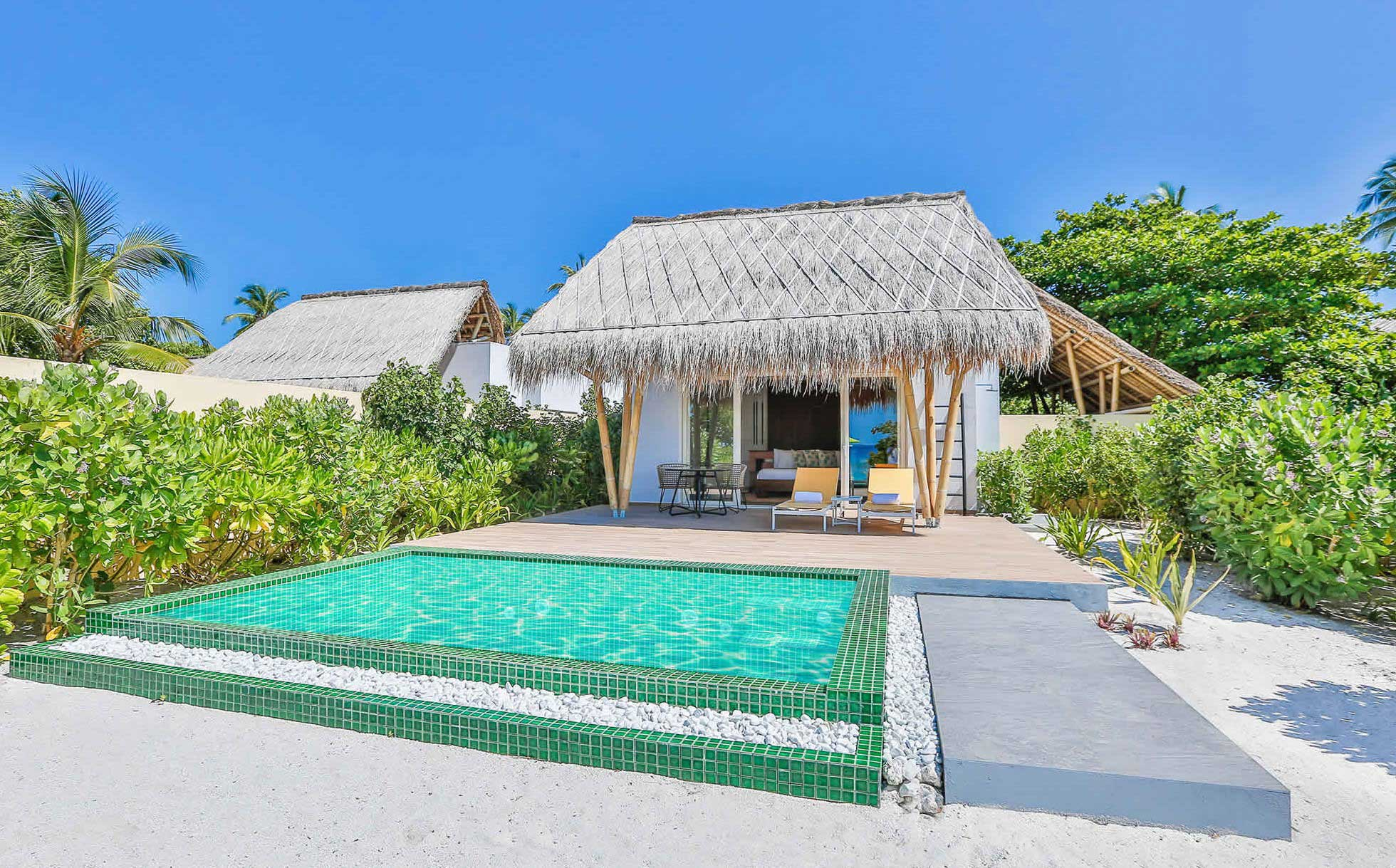 emerald-maldives-marine-beach-villa-1