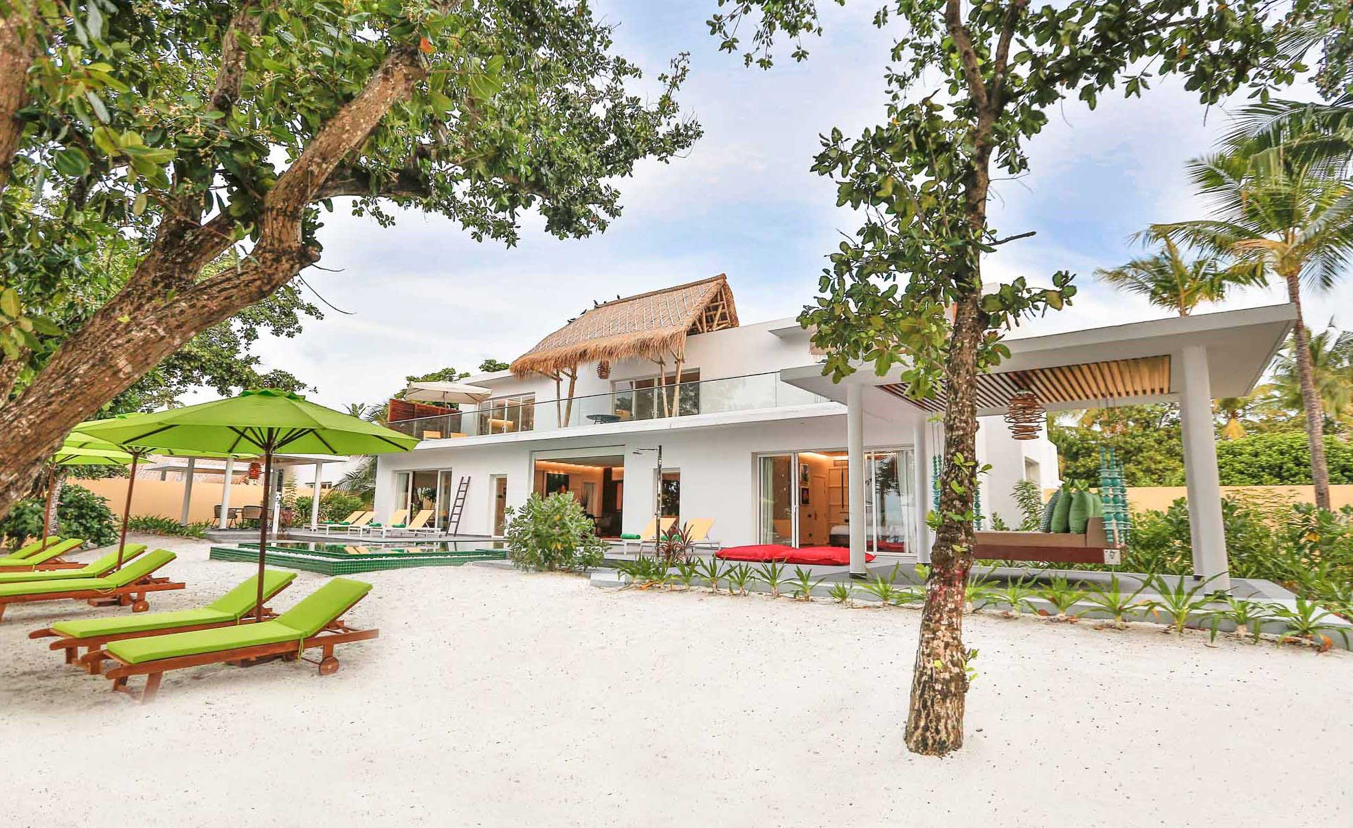 emerald-maldives-royal-beach-villa