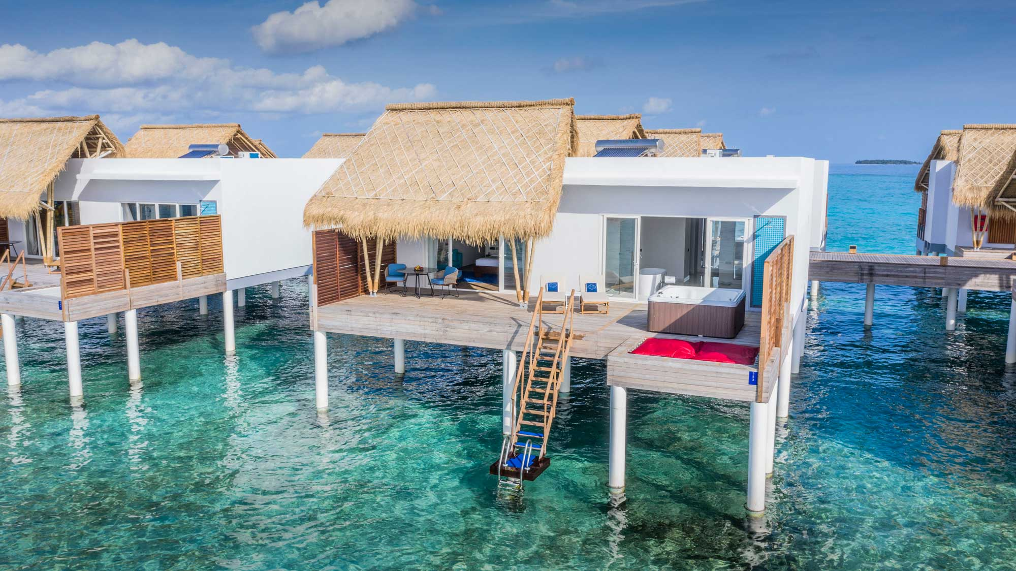 emerald-maldives-water-villa