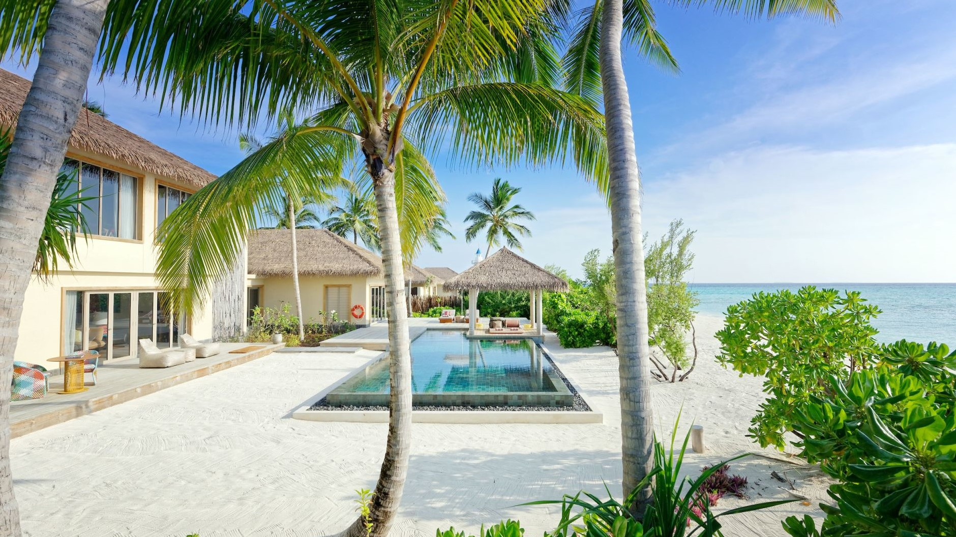 maamunagau 2 Bedroom Beachfront Pool Residence
