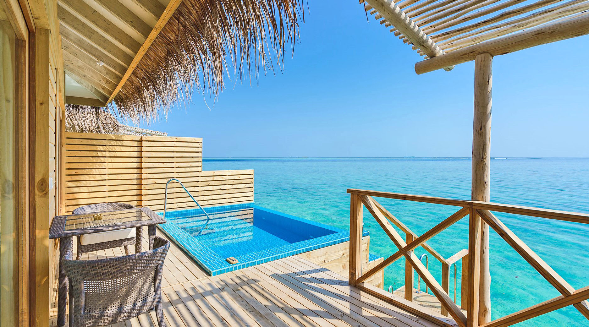 you and me aqua suite with pool