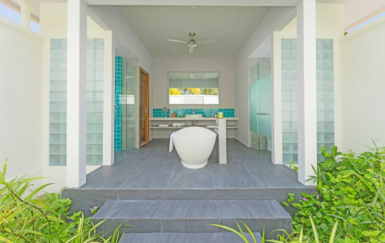 dhigali-beach-villa-bathroom