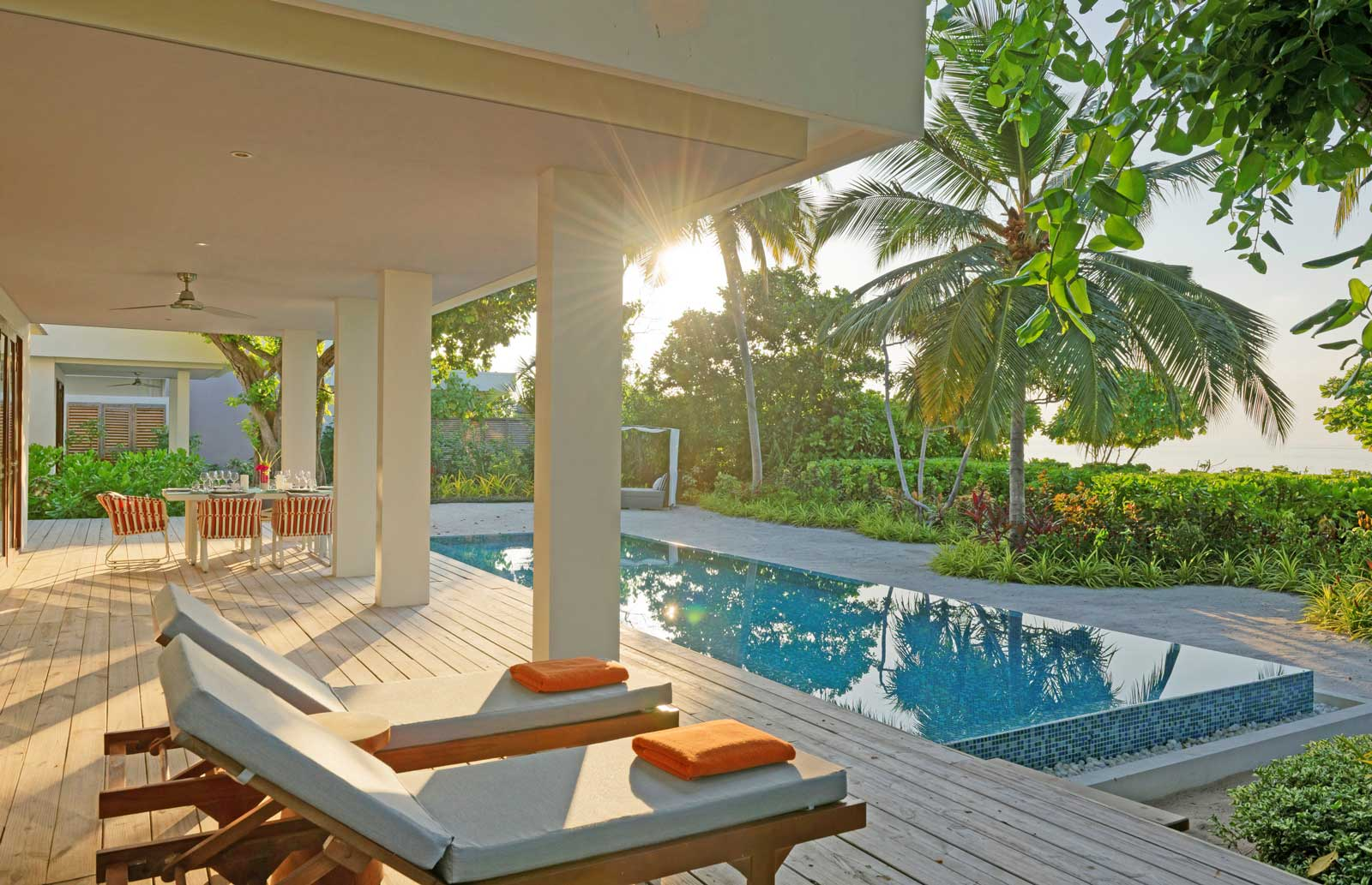 dhigali suite pool view