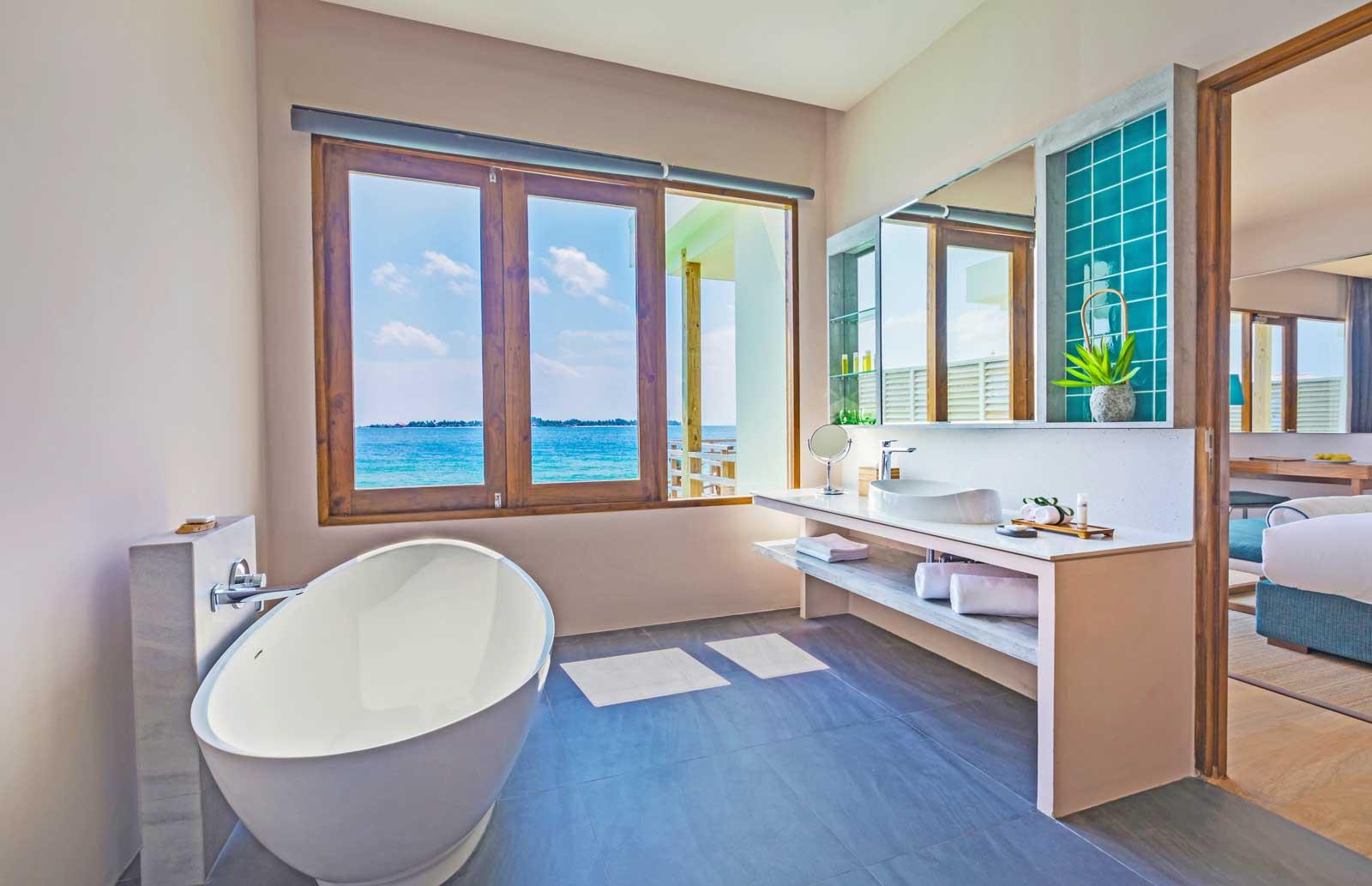 dhigali-water-villa-bathroom