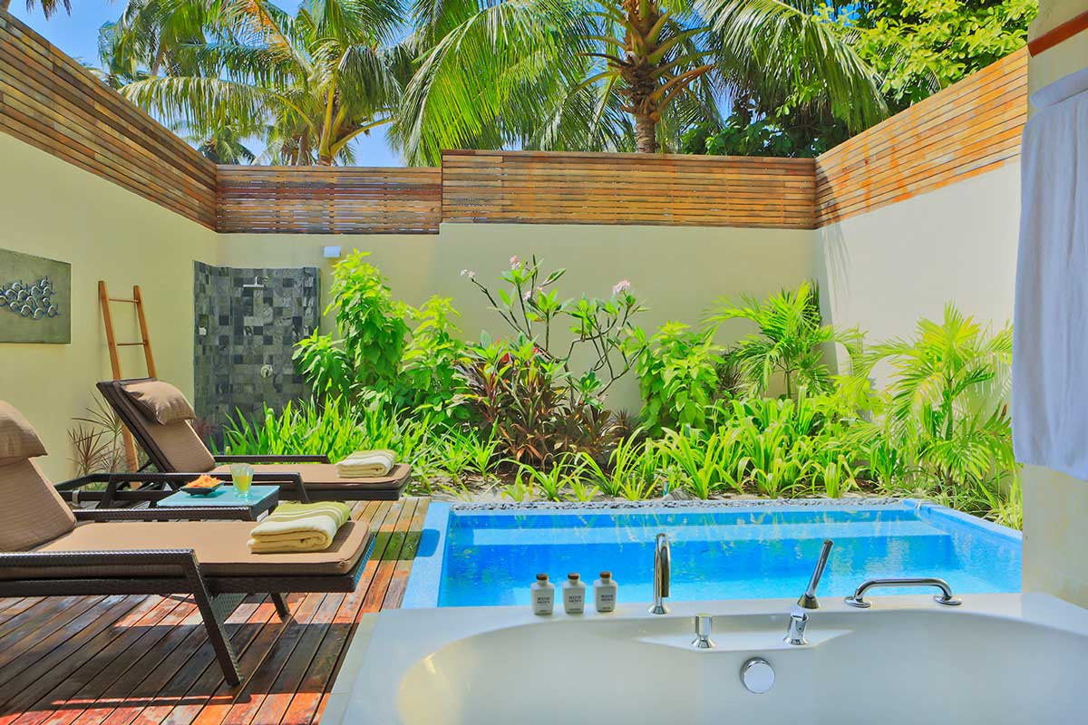 garden-pool-villa-2