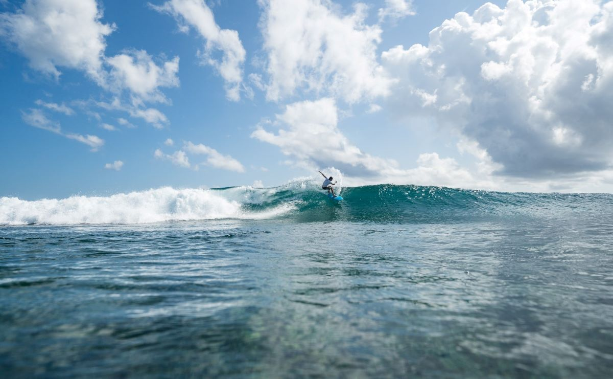 surfing in huvadhoo atoll